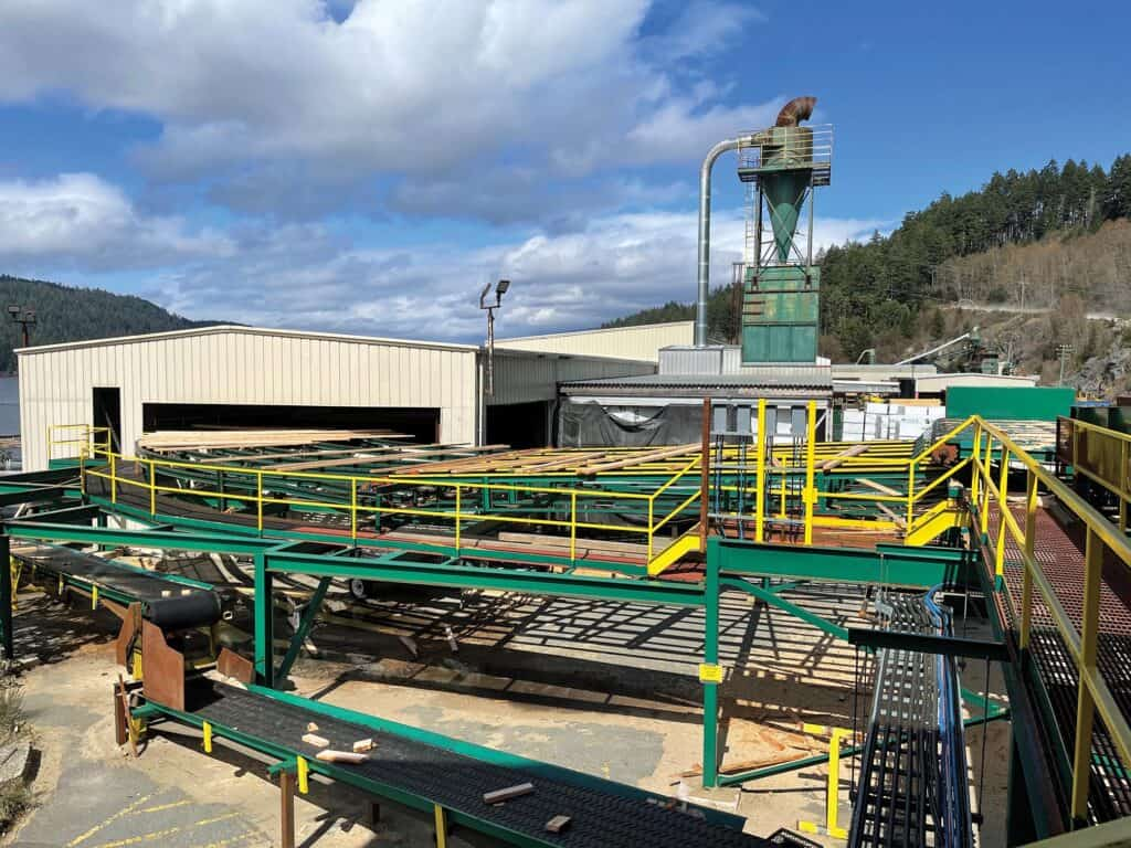 San Port Alberni B Mill: Hewsaw out feed