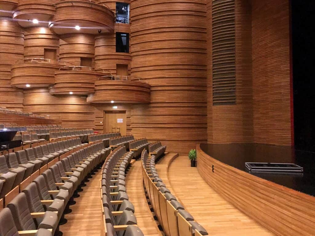 Southern Yellow Pine, chosen for its acoustic enhancing properties, was used as interior cladding for Shanghai Poly Grand Theater.