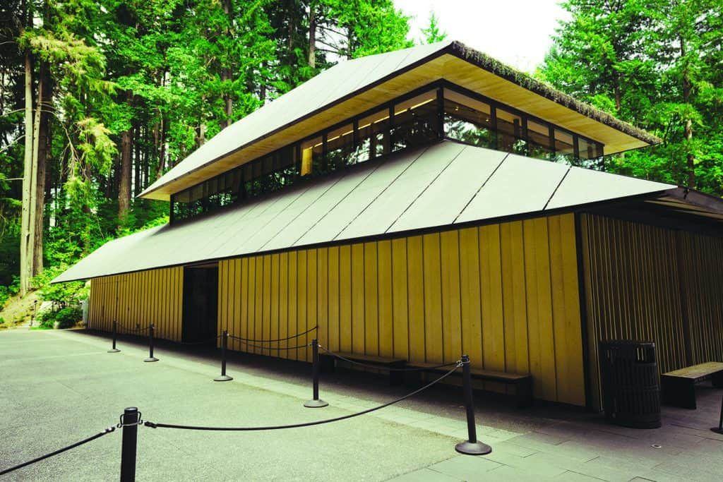 EBPA members trade various lumber species. Here, Alaskan Yellow Cedar, a U.S. softwood species, is shown as an example of how U.S. building materials can be applied in Japanese architecture.